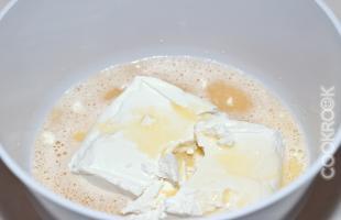 творог с яйцом и сахаром
