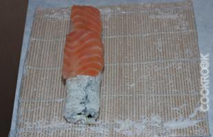 ролл с рыбой