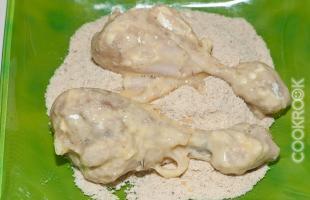 куриный ножки в муке, яйце, панировочных сухарях