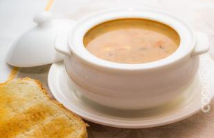 Сырный суп с белыми грибами в мультиварке