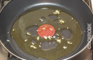 оливковое масло с чесноком