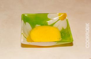яйцо для смазывания булочек