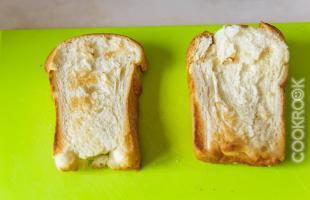 тосты из белого хлеба