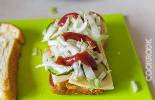 бутерброд с соусом