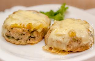 куриные биточки с сыром моцарелла