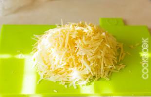 сыр на крупной терке