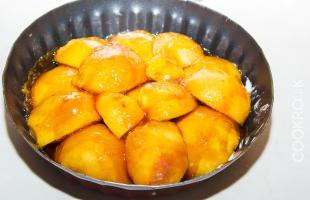 персики с карамелью для тарта