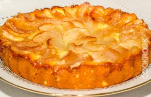 пирог яблочный из творожного теста