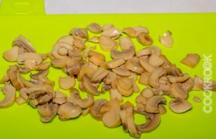 шампиньоны маринованные резаные