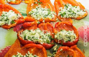 перцы с сырной начинкой