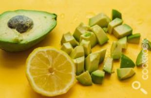 очистить авокадо