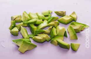 нарезка авокадо дольками