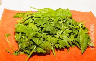 салат руккола и шпинат