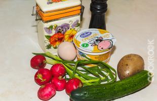 продукты для салата из редиса и огурцов