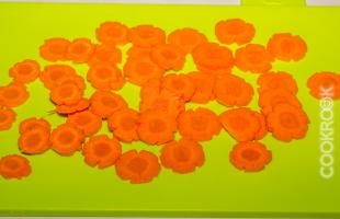 цветы из моркови