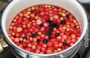 ягодный сироп