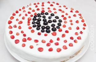 вкусный торт из готовых коржей