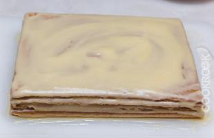 Рецепт торт из готовых коржей со сгущенкой рецепт с фото пошагово