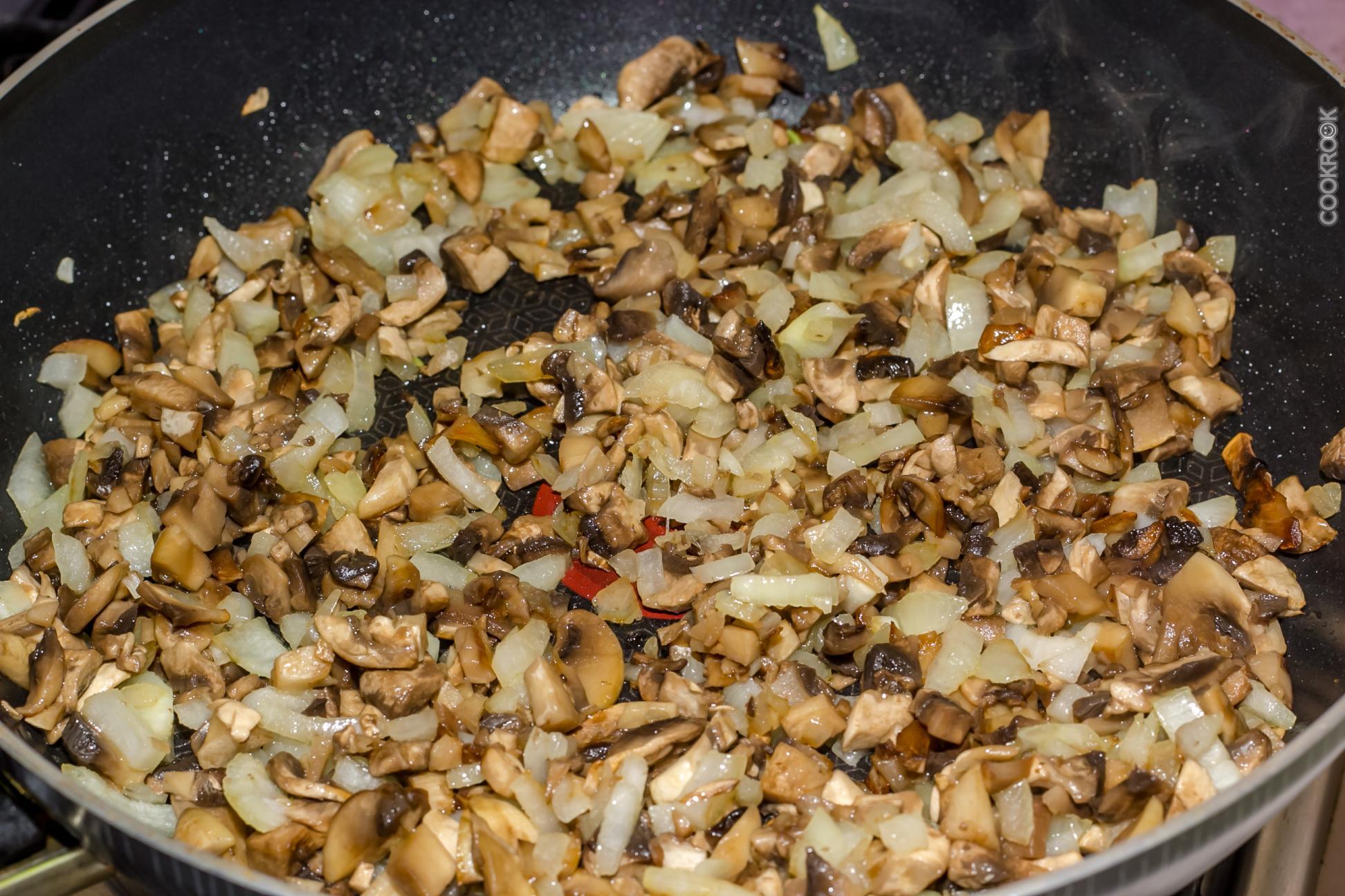 Жарить грибы с луком рецепт пошагово