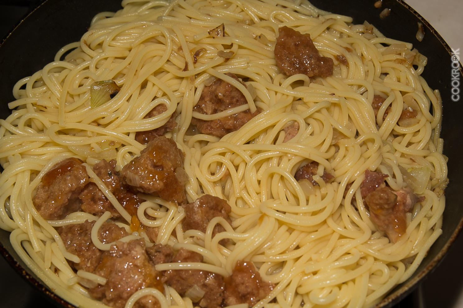 Рецепт фото макароны с тушенкой
