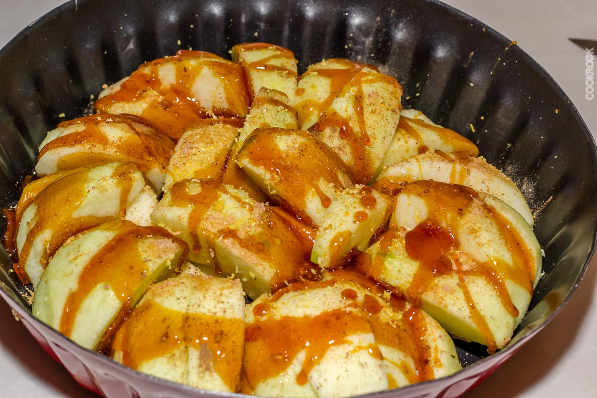 Как запечь яблоки в мультиварке пошагово