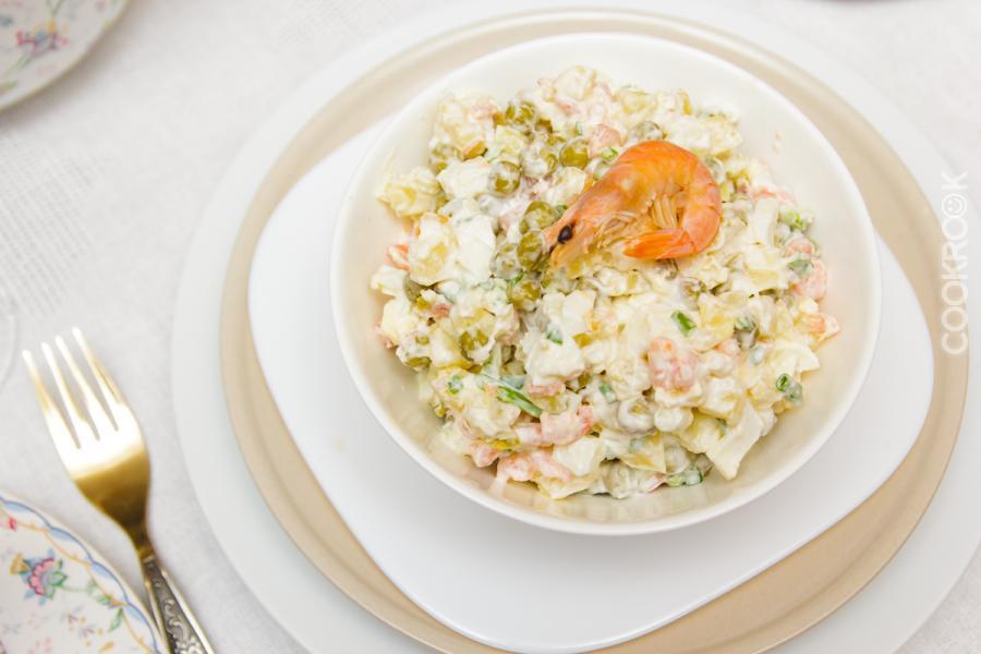 Салат с горошком и креветками изоражения
