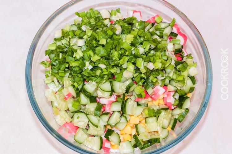 Рецепт салата с крабовыми палочками и рисом с пошагово в