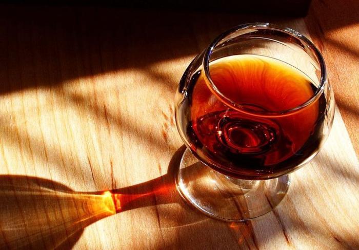 Как правильно выбрать бокалы для спиртных напитков