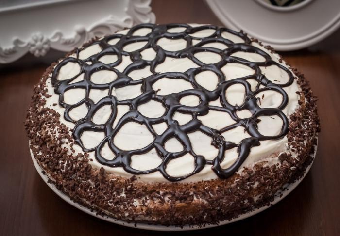 Домашний торт с вишней