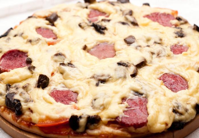 Рецепт пиццы пепперони на скорую руку