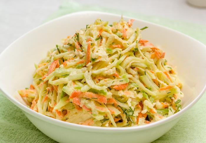 Рецепт салата из зеленой редьки с огурцом и морковью