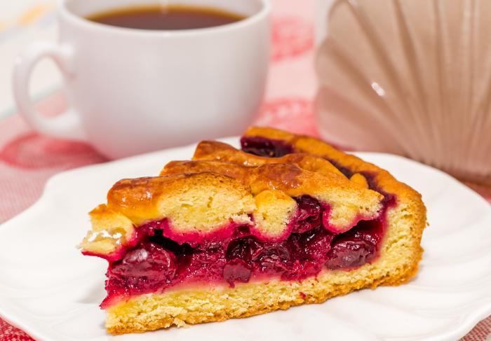 Рецепт вишневого пирога из песочного теста со сметаной