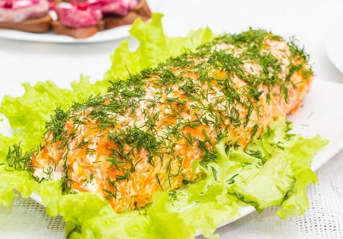 Салат слоеный с копченой курицей
