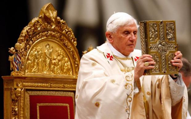 Папская гвардия Ватикана решила удивить мир и выпустить свою кулинарную книгу