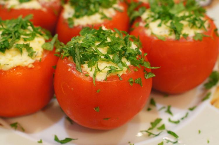 Помидоры фаршированные рисом и креветками рецепт