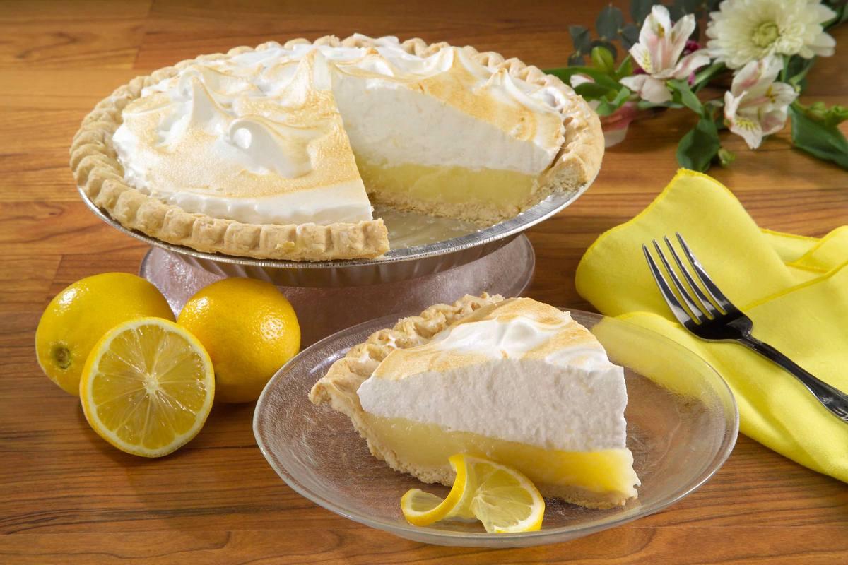 <strong>Торт лимонник с меренгой